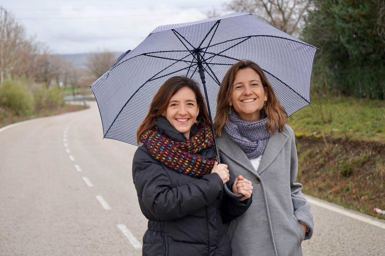 Cristina y Pilar | Familiae Psicología | Madrid y Santiago